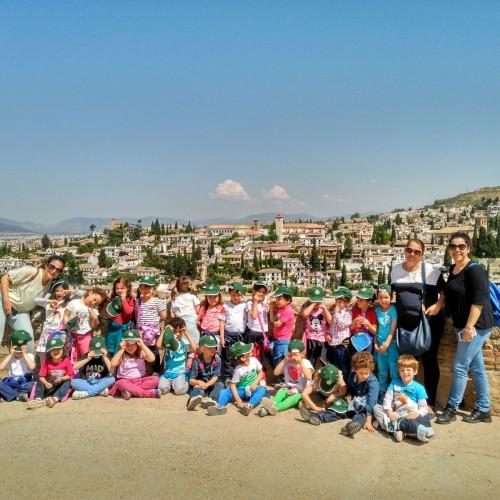 Infantil de visita en la Alhambra