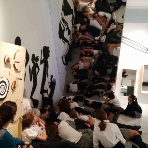 Visita 6ºEPO al Museo CajaGranada en el área de Ciencias Sociales